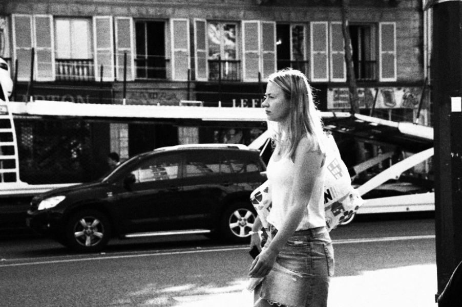 Zoe-Hibert-test-CANON-200D-argentique-noir-et-blanc-granuleux